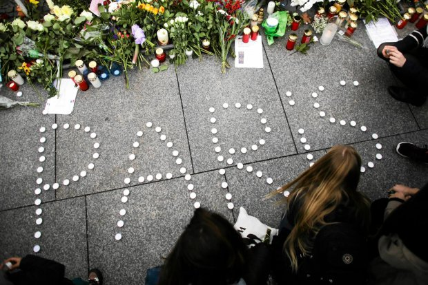 Pary�, dzie� po zamachu