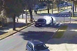 Kierowca, kt�ry potr�ci� rowerzyst�, przeje�d�a� na zielonym �wietle. Nowe ustalenia policji