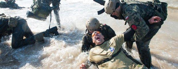 Najcięższy trening w polskiej armii. Po 24 godzinach kandydaci wchodzą w tzw. fazę Żywego Trupa
