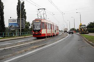 http://bi.gazeta.pl/im/c2/93/de/z14586818M,Modernizacja-linii-pochlonie-ok-80-mln-zl.jpg