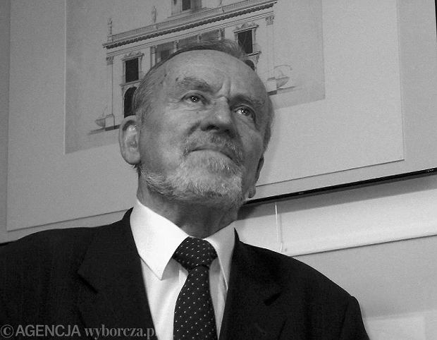 Zmar� prof. Marek Kwiatkowski, by�y dyrektor �azienek Kr�lewskich