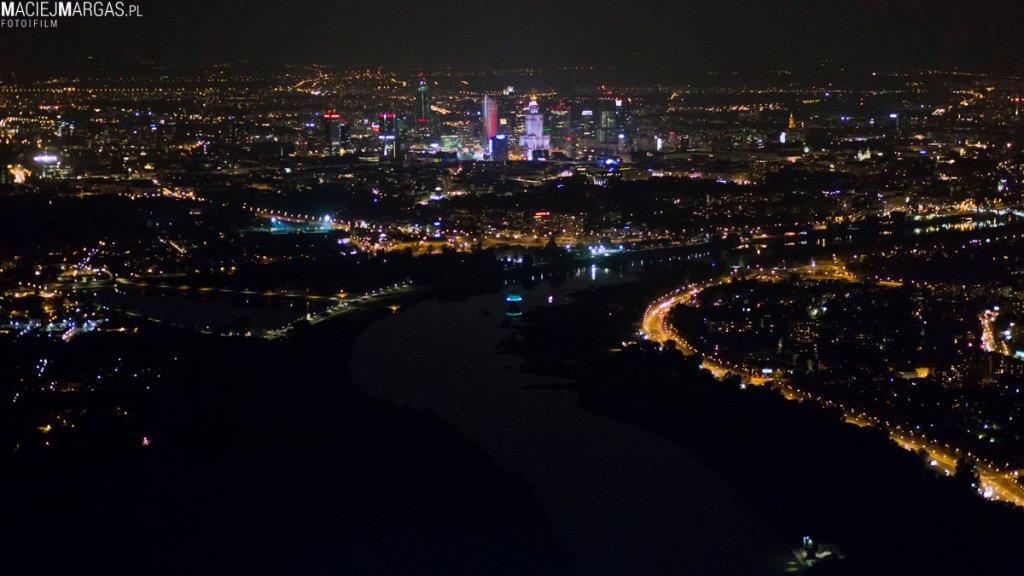 Zdjęcia lotnicze nocą Warszawa