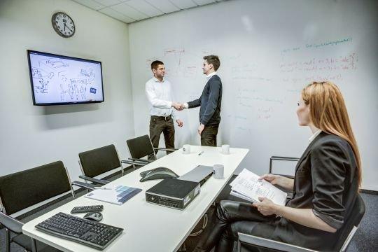 Ekspert radzi: czy powinniśmy sugerować się negatywnymi opiniami na temat przyszłego pracodawcy?