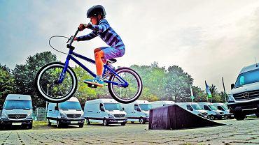 Umiejętność jazdy na rowerze to nie tylko panowanie nad dwoma kółkami, to również znajomość przepisów