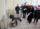 Manifestacja przed ministerstwem: Chcemy kultury, a nie kultu