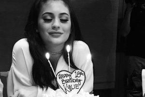 Urodziny Kylie Jenner: jubilatka w sukience jak Doda, Kendall zachwyci�a, Kim Kardashian i Kris Jenner przesadzi�y [PRZEGL�D STYLIZACJI]
