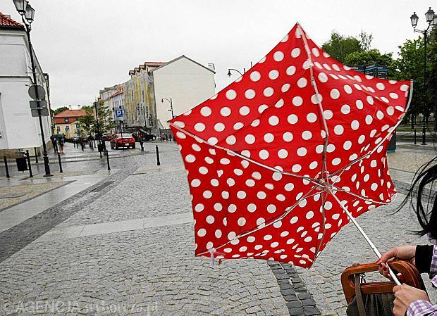 Dzisiejszy dzie� z deszczem. Prognoza pogody na �rod�