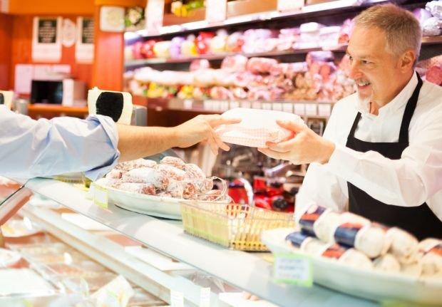 Wielkanoc bez wędlin i białej kiełbasy? Nie przejdzie! Jak wybrać najlepsze produkty?