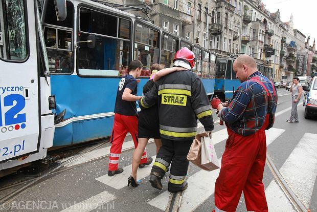 W wypadku zosta�o poszkodowanych 25 os�b, ale nie ma ci�ko rannych