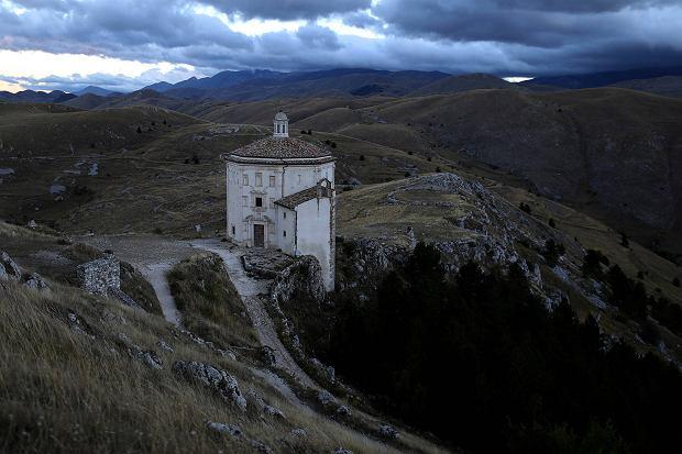 Tutaj czas jakby się zatrzymał. Średniowieczna wioska we Włoszech, w której ostała się garstka mieszkańców