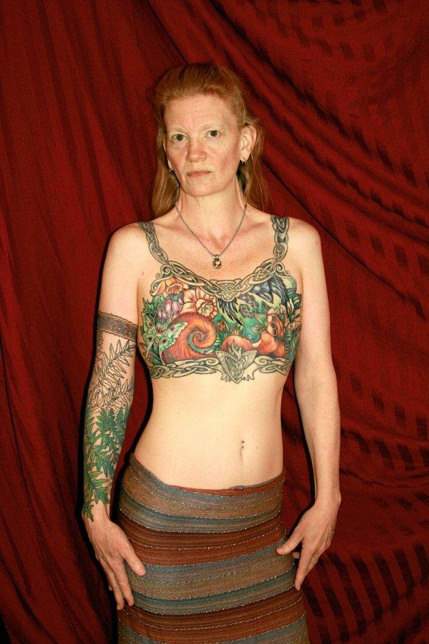 Tatua� po mastektomii: Rak nie musi zostawi� ostatniego �ladu
