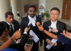 """Dzieci zaginionego z malezyjskiego boeinga """"cierpi� i nie maj� za co �y�"""". Pozwa�y rz�d i przewo�nika"""