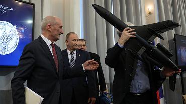 )Raport techniczny podkomisji Macierewicza