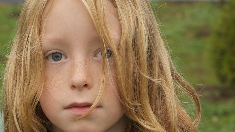 Czemu długie włosy u chłopca to wciąż problem?
