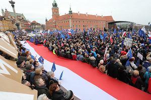 Marsz dla Europy! W Warszawie, Wrocławiu, Krakowie, Londynie, Berlinie... Tłumy mieszkańców na ulicach i wspólne śpiewanie Ody do radości