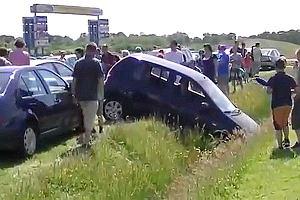Jak nie wyci�ga� auta z rowu? | Wideo