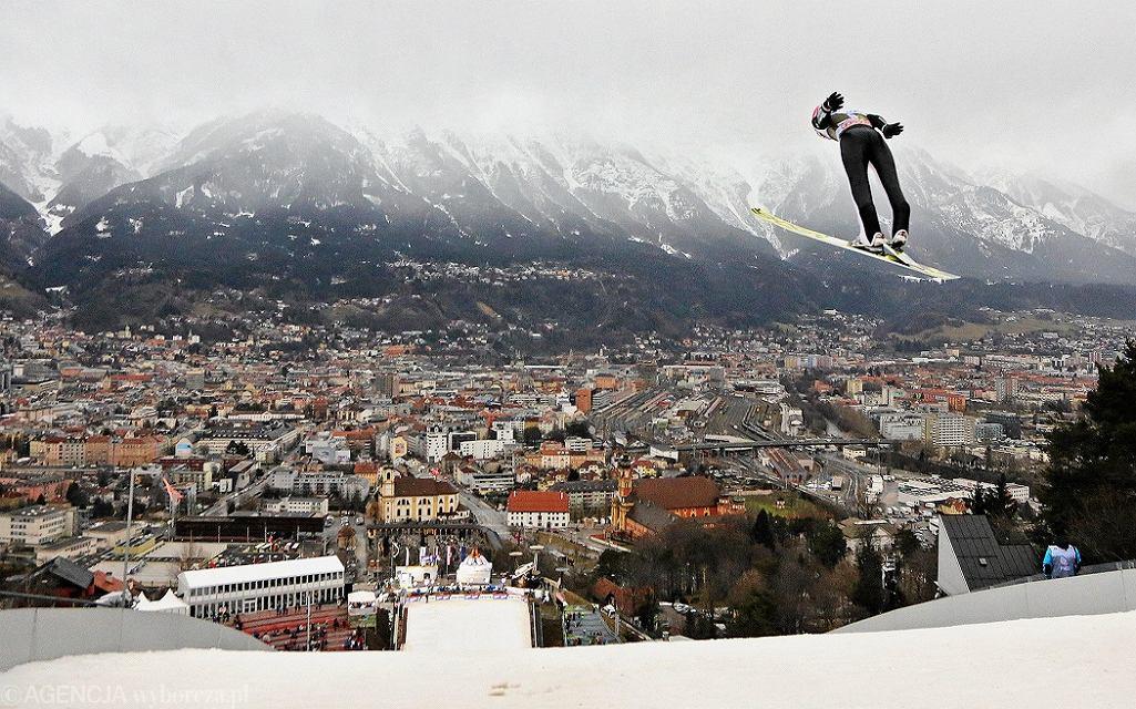 Zdjęcie numer 3 w galerii - Skoki narciarskie. Wielki problem przed Turniejem Czterech Skoczni. Pogoda i brak kibiców