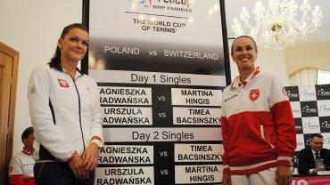 6:0 w drugim secie! Radwa�ska rozbi�a Hingis i zdoby�a punkt dla Polski!