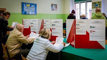 Głosowanie w wyborach samorządowych w Katowicach.