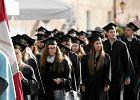 Student�w coraz mniej, uczelnie prywatne plajtuj�