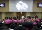 Synod w Watykanie. Polscy biskupi odwracają się od rodziny