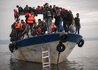 Imigranci p�ac� po 20 tys. dolar�w za fa�szyw� wiz� i lot do Europy. Cennik przemytnik�w