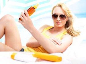 Opalanie jest bardzo przyjemne, ale czy wiesz, jak zadbać później o skórę? Podpowiadamy, jak zrobić to skutecznie