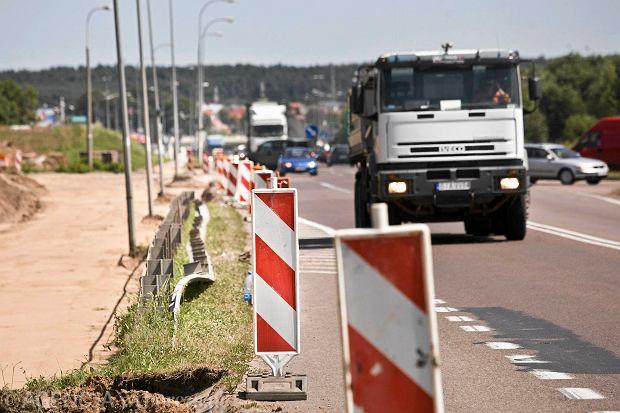 Ulica Kleeberga zablokowana. Drogowcy zalecaj� objazdy [MAPA]