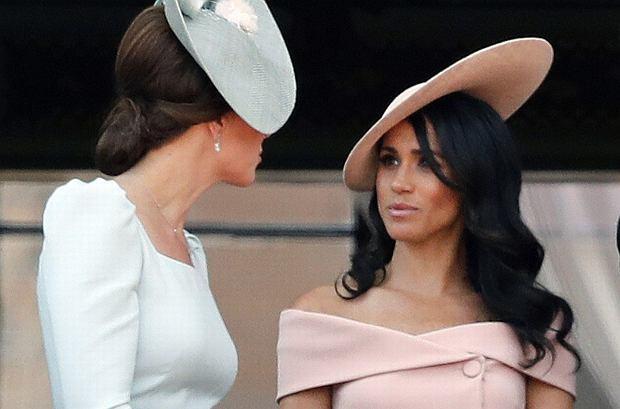 Plotki o konflikcie Kate i Meghan są wyssane palca? Fotograf obecny na finale kobiecego Wimbledonu ujawnił, jakie są ich relacje.