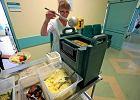 Dziś w szpitalu przy Długiej serwowano potrawkę z kurczaka - Zdjęcia