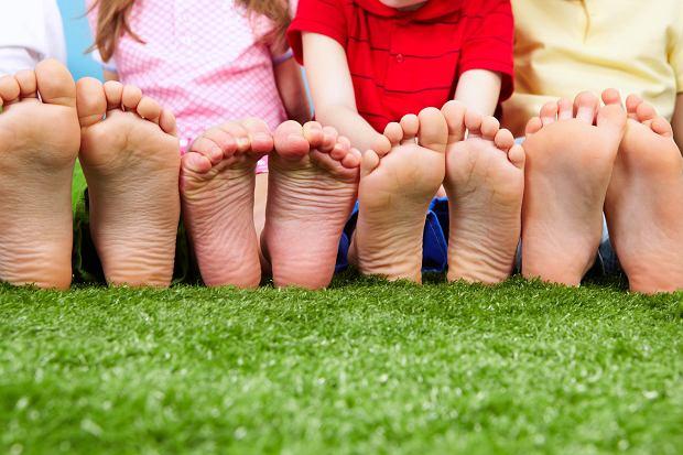 Przygotuj dziecko do szko�y od podstaw i zacznij od zdrowia st�p