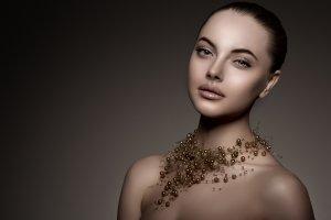 Brązowa szminka - sprawdź najmodniejszy trend nadchodzącego sezonu