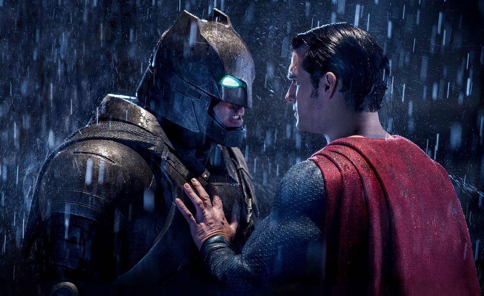 Superbohaterowie znów najpopularniejsi. Oto lista najczęściej ściąganych  filmów 2016 roku db5b2572f0