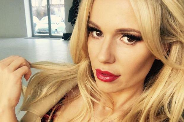 15 lutego Doda skończyła 34 lata. Teraz wokalistka próbuje swoich sił nie tylko w branży muzycznej, ale i filmowej. Zmiany widoczne są także w wyglądzie wokalistki. Obcięła włosy i wygląda fantastycznie.