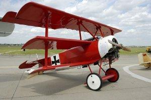 �widnica b�dzie si� promowa� niemieckim lotnikiem