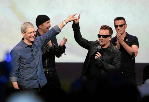 """Grupa U2 przymierza się do trasy promującej jej najnowszy album, """"Songs of Innocence"""". Tym razem kapela niekoniecznie będzie grała na wielkich stadionach."""