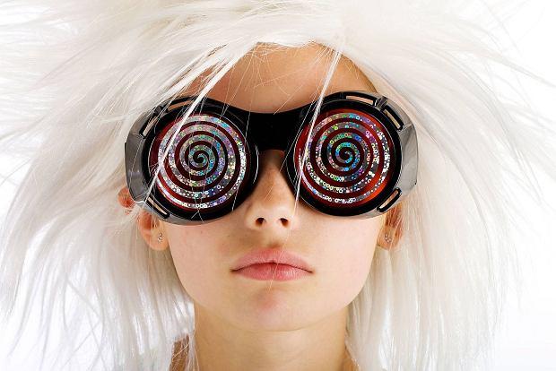 Wróżymy z włosów. Co wprawne oko wyczyta z twojej głowy