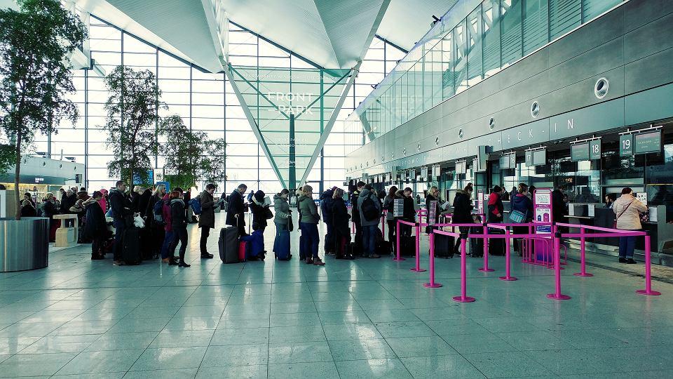 Ryanair советует пассажирам прибывать в аэропорт минимум за три часа до вылета