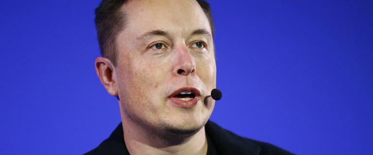 Bizsylwetka: Elon Musk - miliarder kt�ry chce uratowa� �wiat
