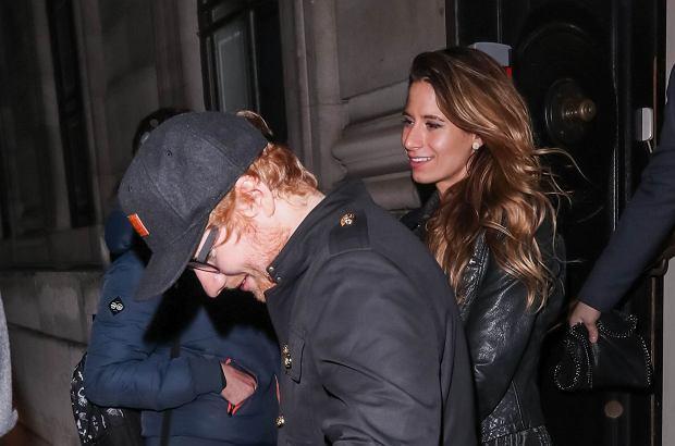 Po afterparty tegorocznych BRIT Awards paparazzi przyłapali Eda Sheerana wychodzącego z piękną Cherry Seaborn. W oczy rzucił im się jeden szczegół.