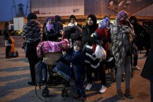 Rakiety sprzedają, uchodźców nie chcą