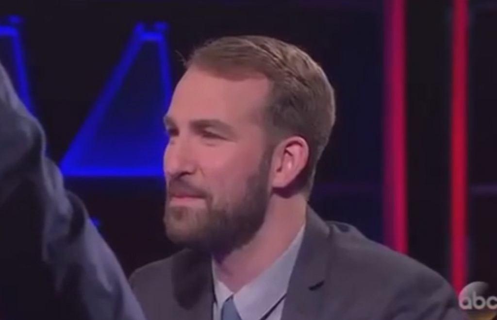 'Pyramid' - Evan Kaufman odpowiada na pytanie o ludzi, którzy mają na nazwisko 'Obama'