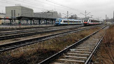 Kielce, 10 lutego 2016 roku, dworzec PKP widok od strony ulicy Mielczarskiego