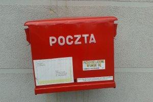 Brutalna gra o rynek pocztowy. Poczta Polska chce podnie�� ceny us�ug