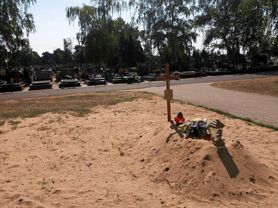 Grób ze szczątkami ewangelików na cmentarzu przy ul. Wiślanej w Bydgoszczy