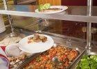 Wieprzowina w szkolnych sto��wkach rozpala Francuz�w