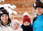 Ksi�na Kate i ksi��� William z dzie�mi na pierwszych wsp�lnych wakacjach. PRZEUROCZE zdj�cia