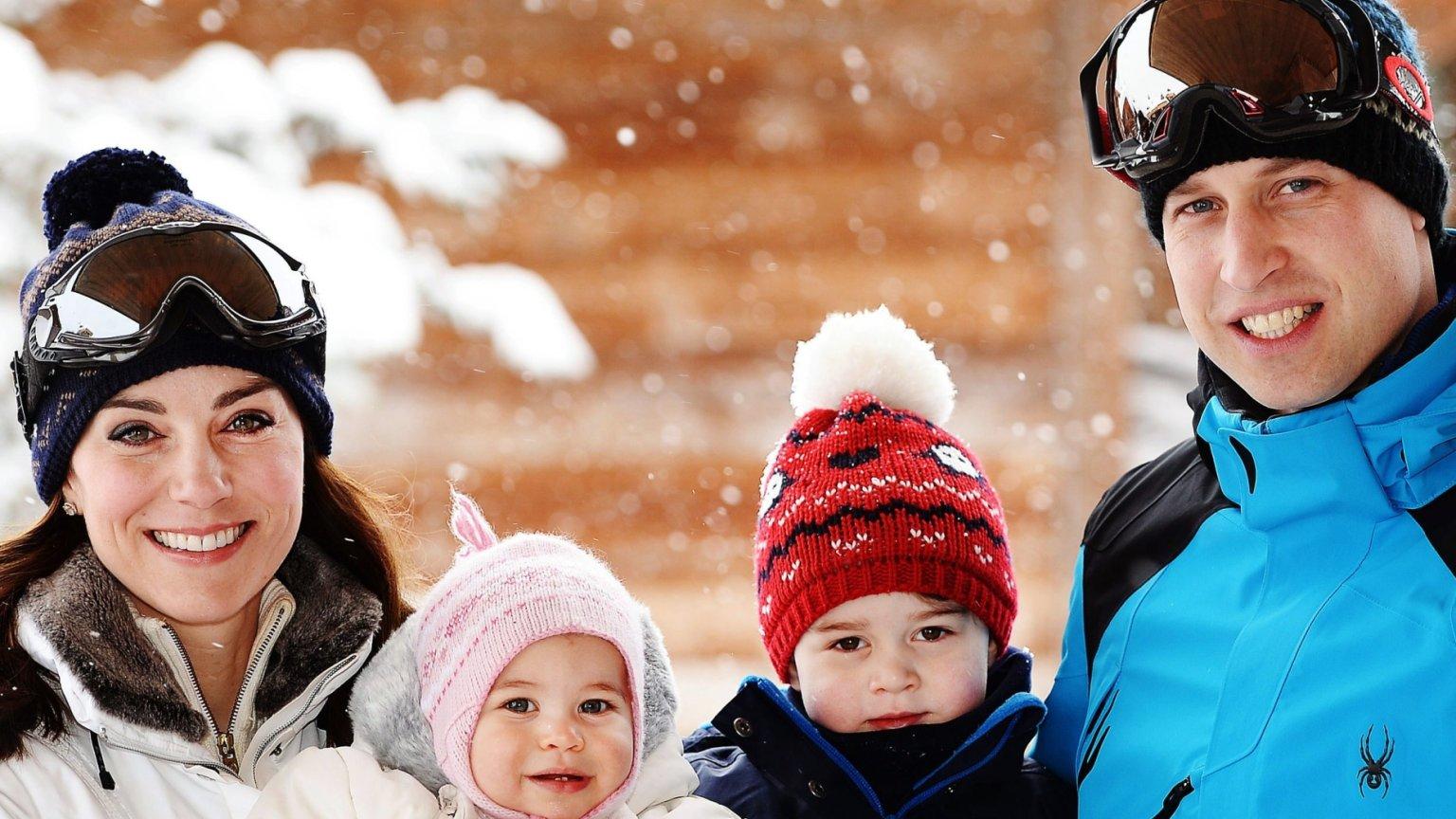 Księżna Kate I Książę William Z Dziećmi Na Pierwszych