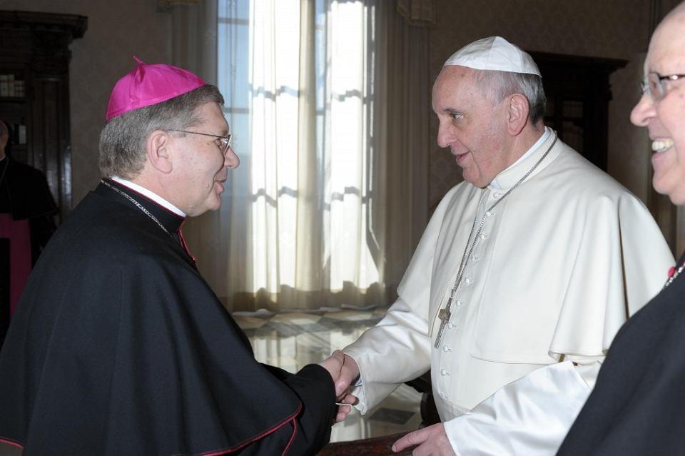 Biskup Juan Antonio Menendez podczas audiencji u papieża Franciszka