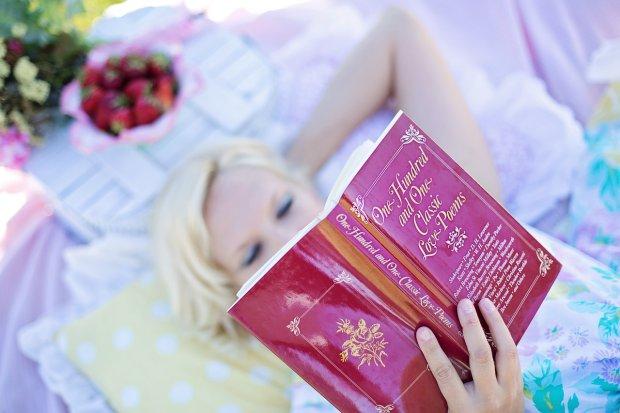 Czytanie wygrywa z seksem - najwi�ksze przyjemno�ci kobiet [BADANIE FOCHA]